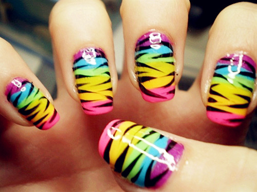 Neon-Coloring-Nail-Art-Ideas